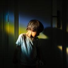 child portrait storytelling photography family documentary Photojournalism familydocumentary gyerekfotózás gyerekfotós gyerek fotó történetmesélő dokumentarista családfotós családfotózás család fotózás portré ditl szivárvány rainbow boncsér orsolya szuzi naplopók