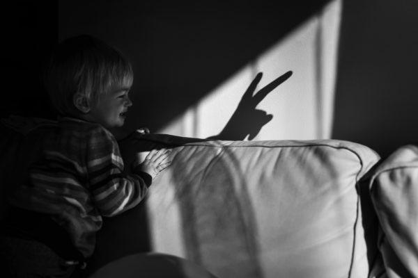 child portrait storytelling photography family documentary gyerekfotózás gyerek fotó történetmesélő dokumentarista családfotós család fotózás portré familynarrative