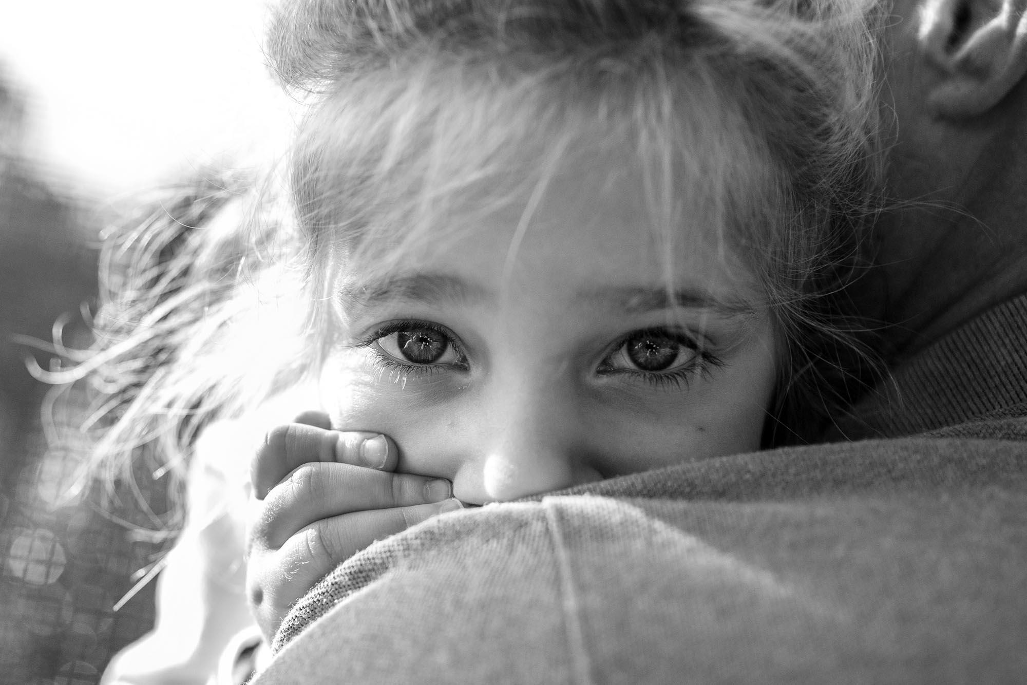 történetmesélő dokumentarista család fotózás családfotózás feketefehér gyerek familyphotojournalism familydocumentary boncsér szuzi és a naplopók